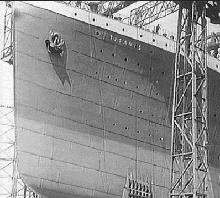 Construction of Titanic's bow.